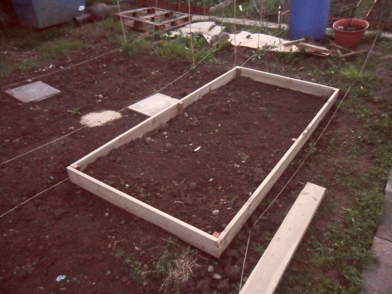 I've started the raised beds on plot 29.  I don't want to think how many more to go!  My aim is to do two per weekend but this could be two per month knowing me! -Mr