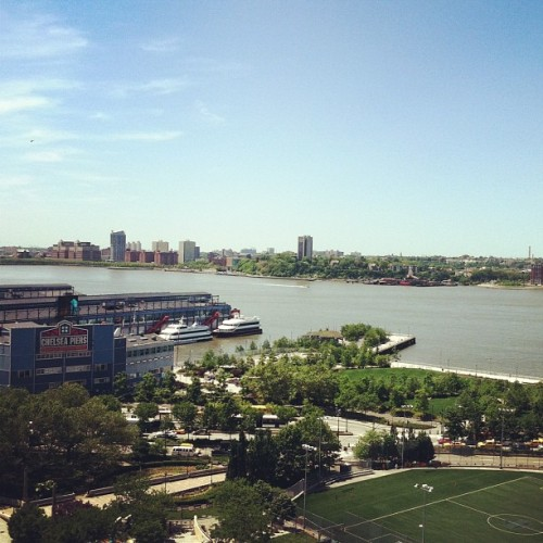 ¡Hola New Jersey! #nyc #newyorkcity #rooftopview #WestSide #ChelseaPiers  (Taken with instagram)