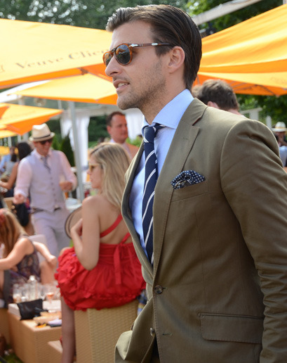 gqfashion:  Street Style at the Veuve Clicquot Polo Classic With the sport of kings comes sartorial royalty: GQ scopes out the sharpest dandies at this year's exhibition.