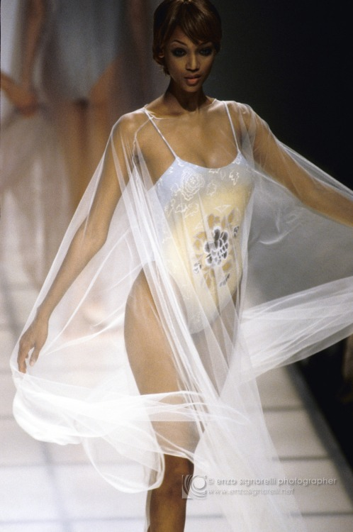 Giorgio Armani Spring/Summer 1994 Model: Tyra Banks
