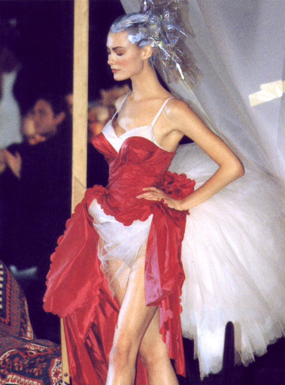 Shalom Harlow at John Galliano Spring/Summer 1996