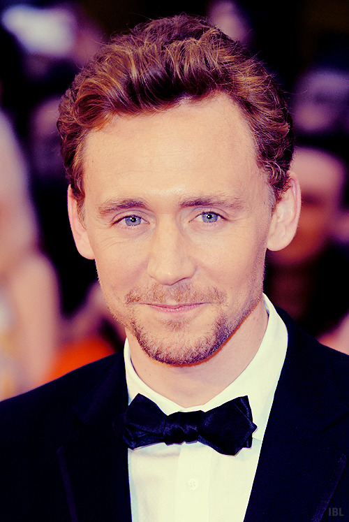 ivebeenloki-d:  [♛] 8/100 photos of Tom Hiddleston