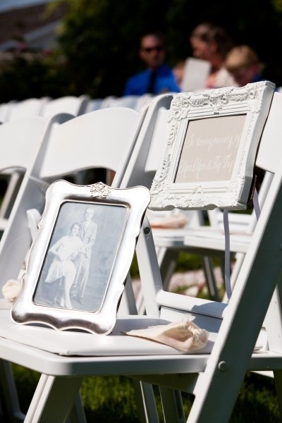 Great way to honor your loved one's at your wedding.