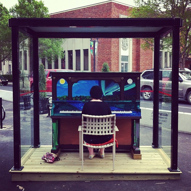 bryceevansphotography:  Downtown #RedDeer is becoming much #cool (er) #piano #downtown #girl #painting #art (Taken with instagram)