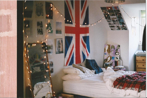 Source: Favim British flag and fairy lights. Good combination. Happy Jubilee everyone, and Happy Birthday Queenie!