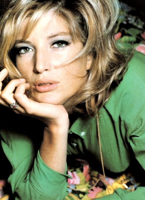 Monica Vitti for Vogue, 1965. (Photo: David Bailey)