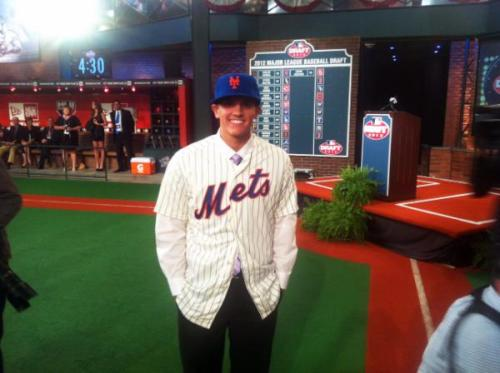 metsingaround:  WELCOME TO THE NEW YORK METS FAMILY (@GavinCecchini2)