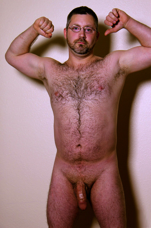 cobrazzo:  hairydoodz:  Who's posting tricks?  http://cobrazzo.tumblr.com/