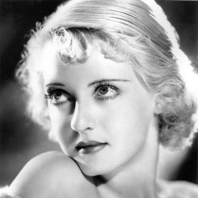 fuckyeahhistorycrushes:  Bette Davis. Her beauty is unreal!