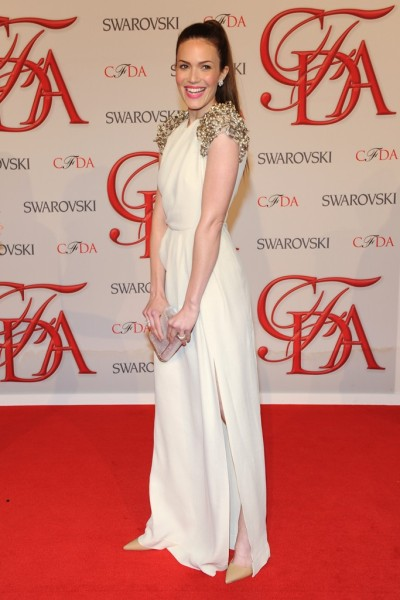 Mandy Moore a vision in white #cfdaawards