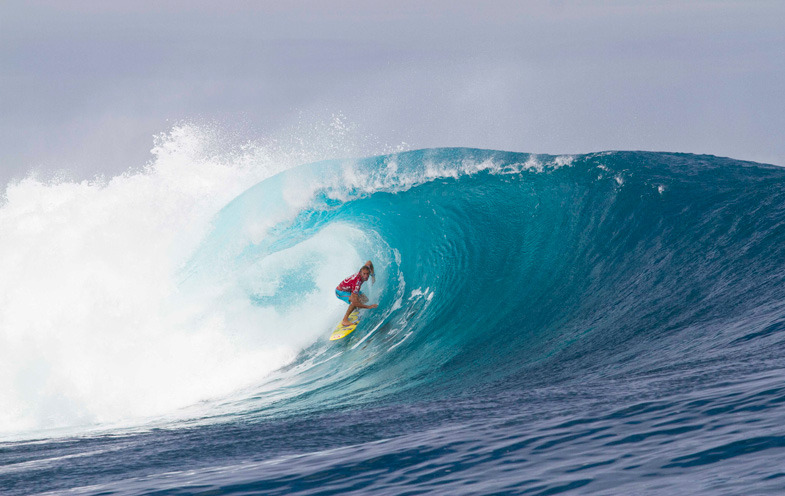 thisismysurf:  owen in the cloudbreak pocket riiiiiiiiiipin