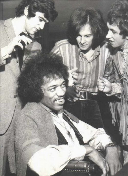 theswingingsixties:  Jimi gets a haircut.
