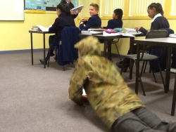 bruce-will-i-is:  I am camouflaging into the class no one even knows Im here