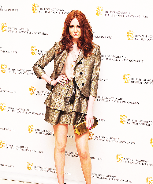 29/50 Karen Gillan she is flawless!