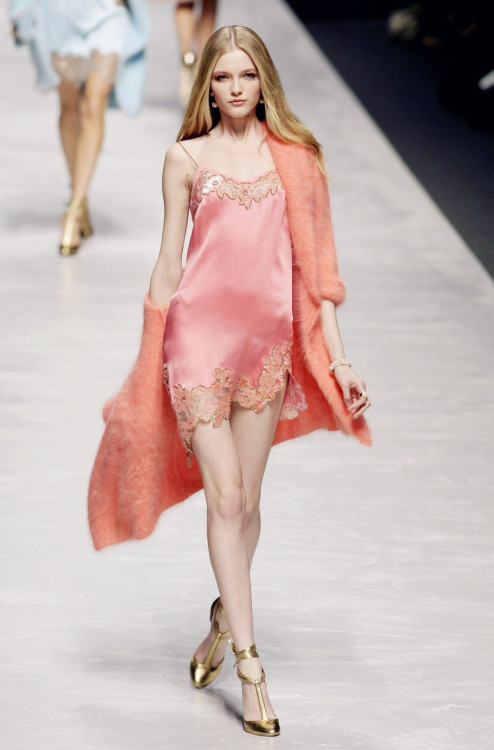 wink-smile-pout:  Vlada Roslyakova at Blumarine Fall 2008