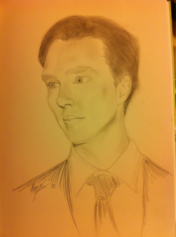 haileyscirqued-art:  Late night drawing. Took two hours. Mr Benedict Cumberbatch, Sherlock.