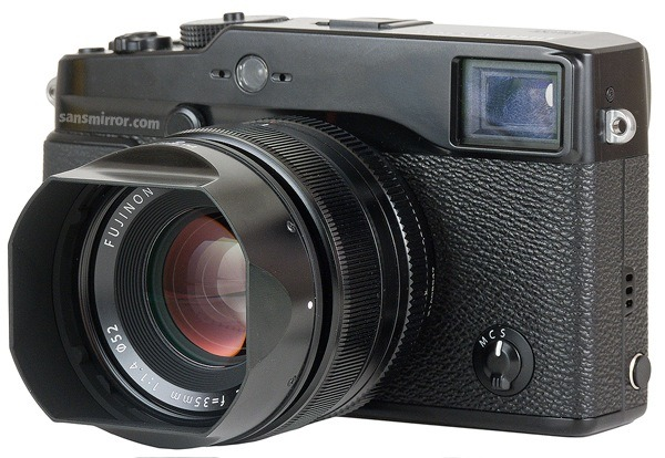 Tom Hogan reviews the Fuji X-Pro1 This is by far the most comprehensive review of the X-Pro1 to date and from my own experience with the camera it's bang on the money. He pulls no punches too so if you're a diehard fan just looking for affirmation I strongly suggest you don't read it. Of course if you're looking for a genuine review, this is one of the best out there at the moment. (via Fujifilm X-Pro1 | Sans Mirror — mirrorless, interchangeable lens cameras | Thom Hogan)