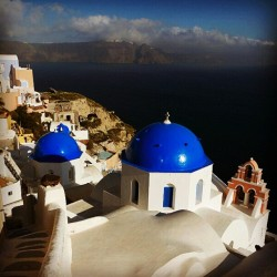 #santorini  #greece  #travel  #socialtravel  #island #mediteranian #sundance #clubsocial  #picoftheday  #photooftheday  #instagramhub  #instagrammers  #instamood  #followme  (Taken with instagram)