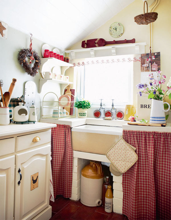 dyingofcute:  little fairy country kitchen
