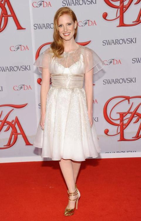 Jessica Chastain wore a gorgeous dress and gold mary-janes by Prabal Gurung and Harry Winston jewellery at the 2012 CFDA Fashion Awards on June 4th, 2012.