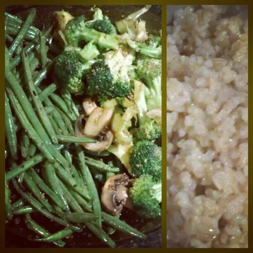 #Quick & #Easy - the way all things should be. #Garlic #Greenbeans + #Mushroom#Broccoli #stirfry paired w/#brownrice. #veggies #vegetarian #foodporn #foodie #cooking  (Taken with instagram)
