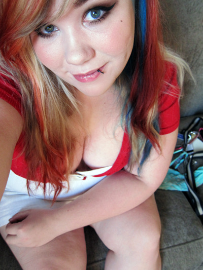 chubby-bunnies:  Hello beautiful people! :) I'm Julia. I'm 22 and live in Orlando. Come say hi! juliaporter.tumblr.com  Oh hey it's me :D All my new followers should come say hi! (Or old too!!) <3