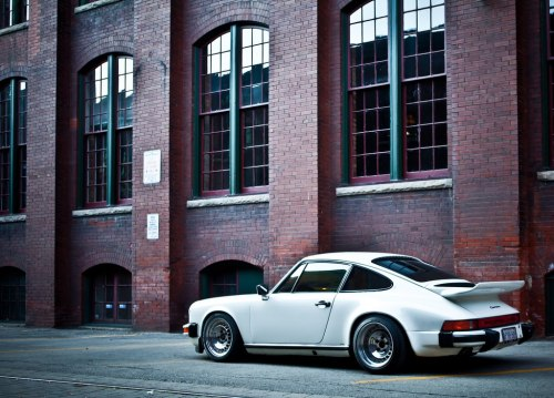 collaverglas:  Porsche 911 on Ronals via Motoring con brio