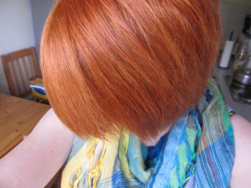 RANDOM PERSONAL POST #01. Just finished dyeing my hair orange. Even though I had to clean my bathroom for like an hour I love the result.