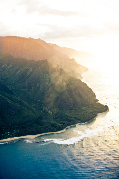 landyscape:  North Shore, Kauai, HI (by: dean christian)