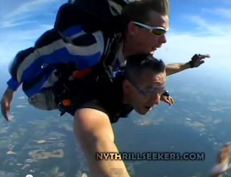 ny thrill seekers skydive from 15000 feet