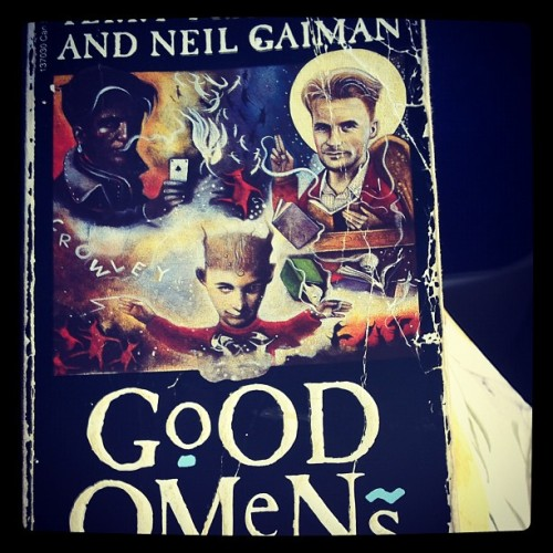 #photoadayjune #day4 #closeup #well #loved #good #omens #Pratchett #Gaiman #reading  (Taken with instagram)