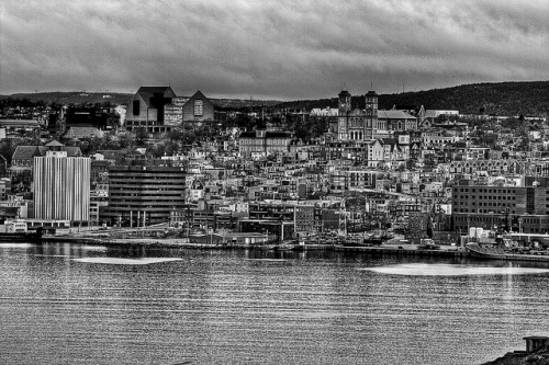 unmaimedbeauty:  Black and white city HDR by Zach Bonnell on Flickr.