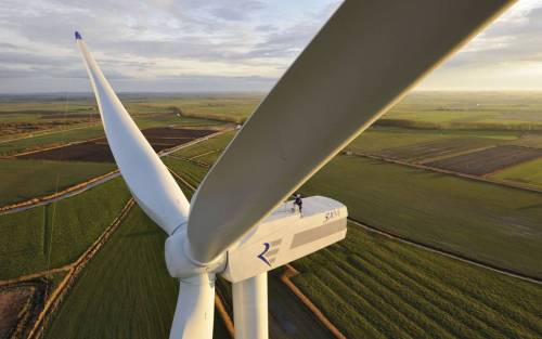 marjoree:   The REpower 3.2M114: The Next Generation of Onshore Wind Turbines  The bigness!