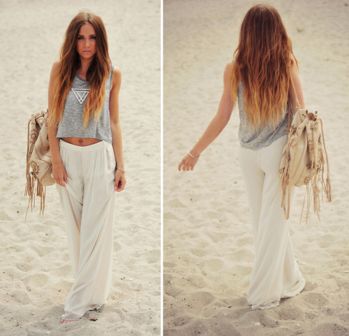 lookbookdotnu:  Just a grain of sand. (by Lisa Olsson)