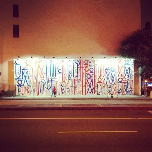 instastreetart:  #retna #nyc #graffiti #retnaart by @julienask  (via imgTumble)