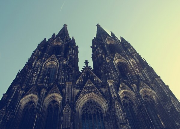 Der Kölner Dom. Its one of those places that you need to experience at least once in your lifetime. #gothic #architecture