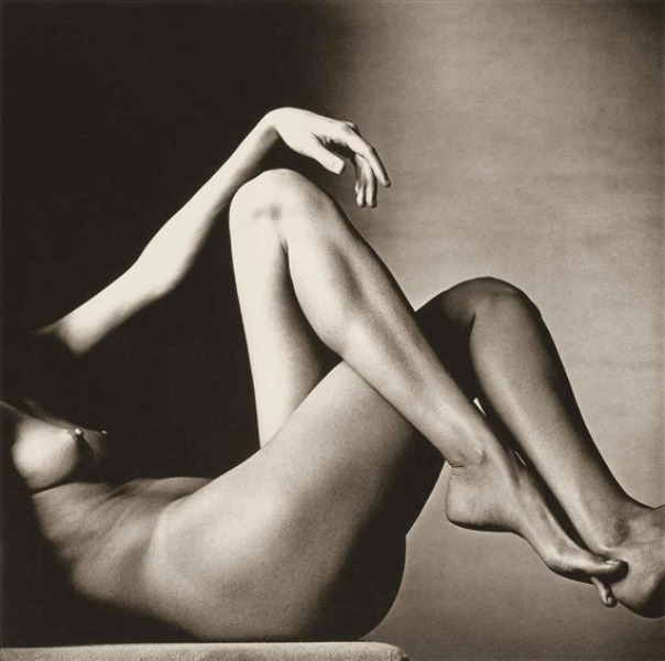 Irving Penn - Leggy Nude, New York, 1993