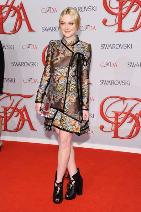 So, Dakota Fanning fucking rocked it last night at CFDA awards. (via T&L)