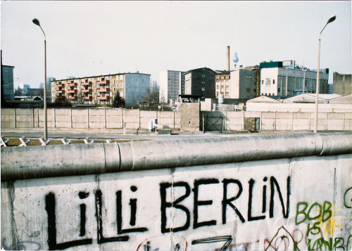 """ In Berlin by the Wall "" ( 1984 ) In Berlin, by the wallyou were five foot ten inches tallIt was very nicecandlelight and Dubonnet on iceWe were in a small cafeyou could hear the guitars playIt was very niceit was paradiseYou're right and I'm wronghey babe, I'm gonna miss younow that you're goneOne sweet day… Lou Reed ( Berlin )"