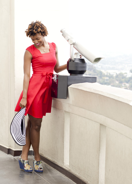 ModEmployee Cassie gets a view of Los Angeles at the Grifith Observatory, where you can peek a look at the famous Hollywood sign! Like her look? Shop our SoCal Staples»