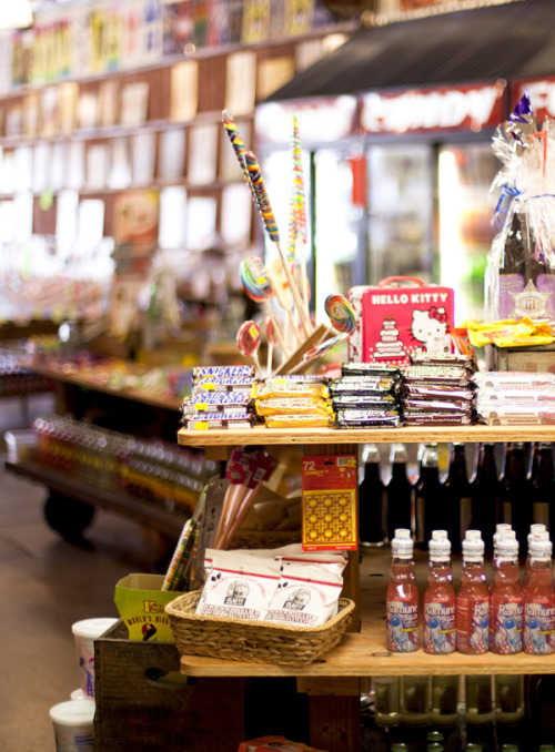 A little glimpse at Rocket Fizz in LA! We want candy! Check out all of our recommendations in our latest road-trip stylebook, Adventures in Style»