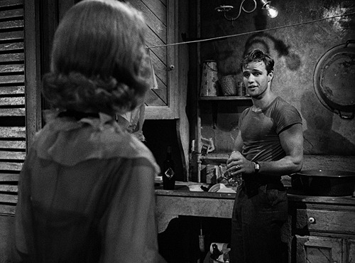 Marlon Brando's iconic tight T-shirt had to be made specially, as one could not buy fitted T-shirts at the time; a regular T-shirt was bought, washed several times and its back was sewn in order to tighten it for Brando.