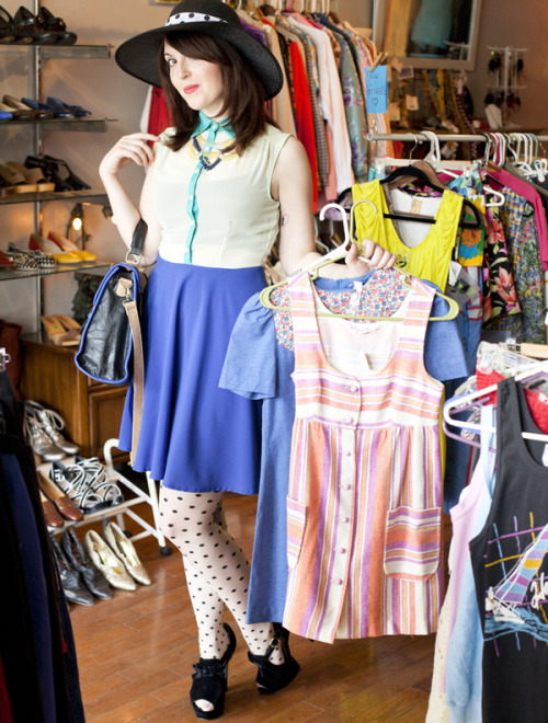ModEmployee Sari looking super chic while digging for vintage treasures! For more Pittsburg-inspired styles, shop Three Rivers Requisits»