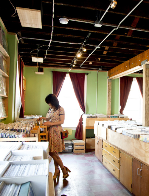 ModEmployee Sari visits Mind Cure in Pittsburgh for rad records! For more recommendations, check out our latest stylebook, Adventures in Style»