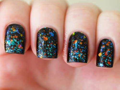 spektorsnails:  Wet 'n' Wild Black Creme + Sinful Colors Green Ocean + Kleancolor Chunky Holo Black