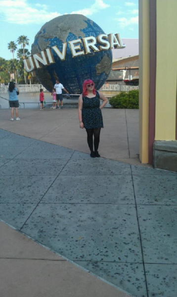 I finally got all of the photos off of Tiara's phone from Universal/IOA!