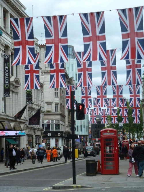 youknowyourebritishwhen:  This is what the streets of London look like right now. Love it.  sorry i forgot what country this was in