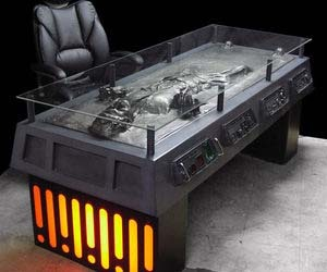 bobathefettt:  the perfect workspace  I need this desk.