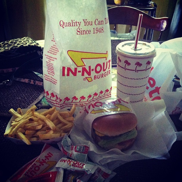 Ummm best thing about living in CALI!!! 👌🍔🍟 IN N OUT !! (Taken with instagram)
