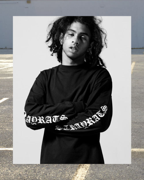 dazeofthunder:  devinchristopher:  20120506 - Robb Bank$  Thirst level is increasing